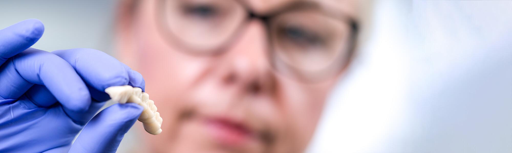 Zahnärztin Eisleben - Brockmann - Leistungen Slider